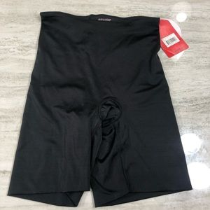 Spanx Mid Thigh Smoother Black Shorts